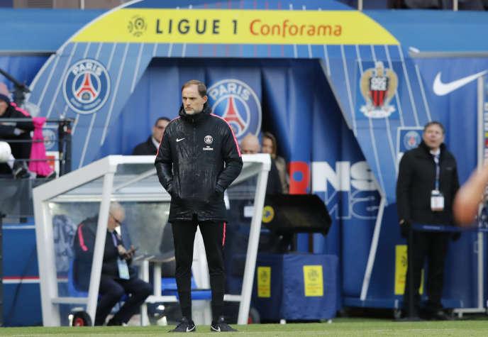 Sur la saison 2018-2019, le PSG a perdu les coupes, périclité en Ligue des champions et accumulé les déboires : nouvelle blessure de Neymar, tensions dans l'organigramme, recrutement bancal et doutes sur la solidité de l'institution.