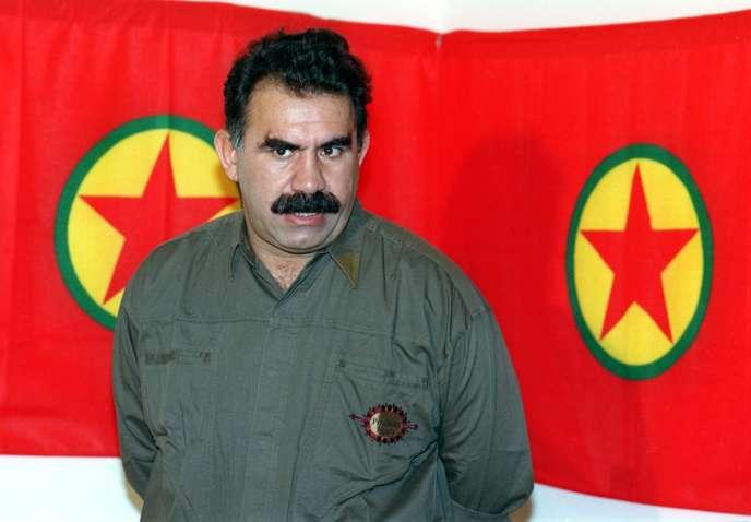 Abdullah Ocalan est l'un des fondateurs du Parti des travailleurs du Kurdistan (PKK), un groupe classé « terroriste » par Ankara, les Etats-Unis et l'Union européenne.