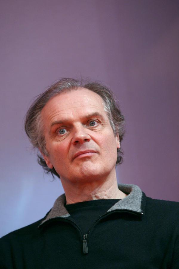 Pierre Bordage au Salon du livre de Paris en 2010.