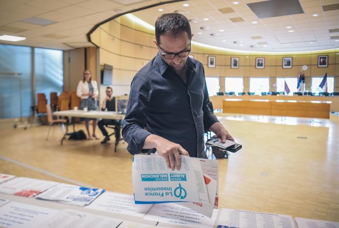Le leader de Génération.s, Benoît Hamon, ici lors du vote pour les européennes dans un bureau de Trappes (Yvelines), le 26 mai 2019.