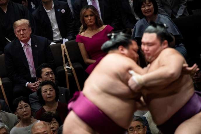 Donald et Melania Trump, au tournoi d'été de sumo de Tokyo, le 26 mai.
