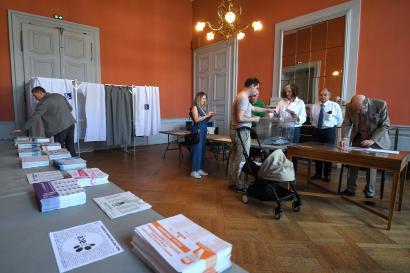 Dans un bureau de vote de Strasbourg, le 26 mai.