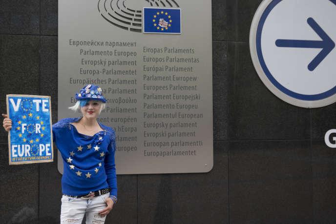 Devant le Parlement européen, à Bruxelles, le 26 mai.