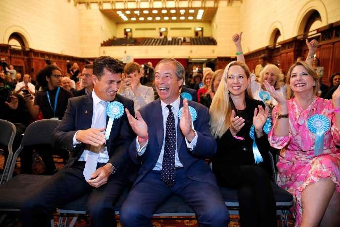 Le chef de file du Parti du Brexit réagit à l'annonce des résultats du scrutin européen, le26mai, à Southampton (Angleterre).