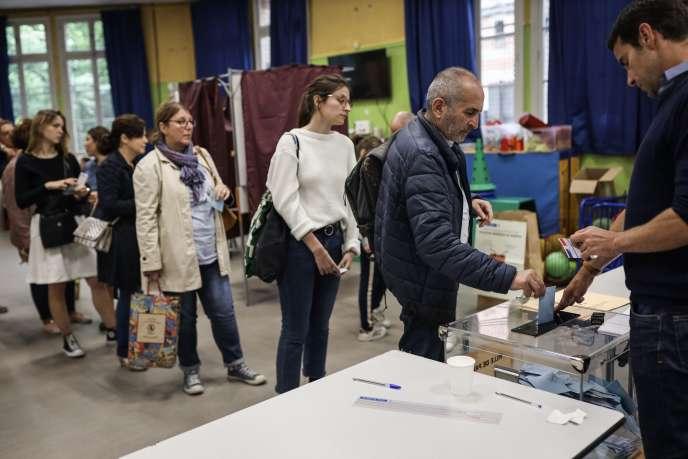 Le taux de participation a atteint 50,12 % en France, dimanche 26 mai pour les élections européennes.