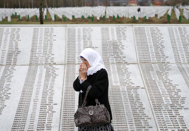Mémorial de Potocari où reposent des victimesdu massacre de Srebrenica, en Bosnie-Herzégovine.