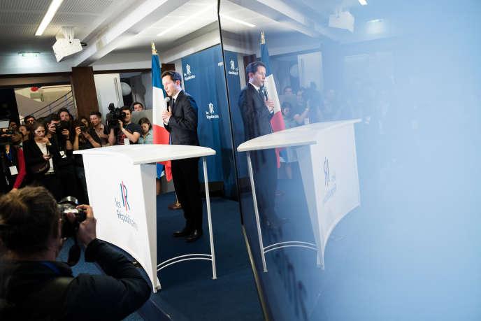 François-Xavier Bellamy durant son discours, quelques minutes après les résulats des élections européennes, le 26 mai.