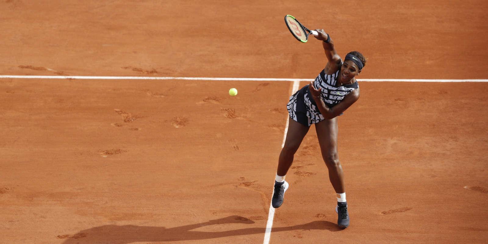 Après avoir perdu le premier set, Serena Williams a réglé son jeu, et s'impose au prmeier tour de Roland-Garros.