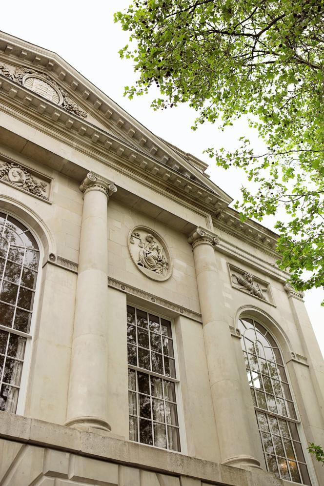 La façade de l'ancien palais de justice.