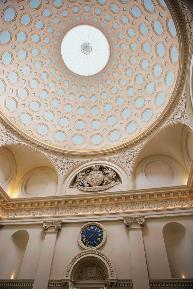 La coupole est inspirée de celle du Panthéon de Rome.