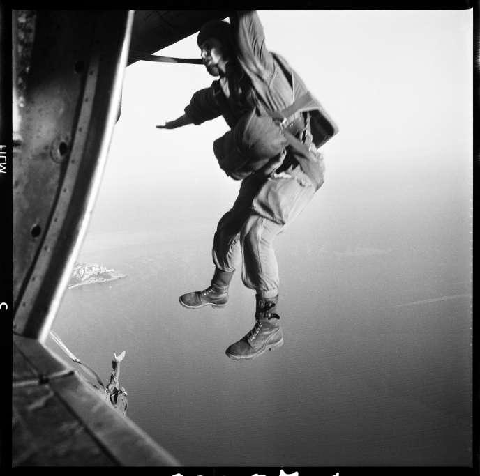 Entraînement du 1erbataillon parachutiste de choc à Calvi, de juillet à septembre 1962.