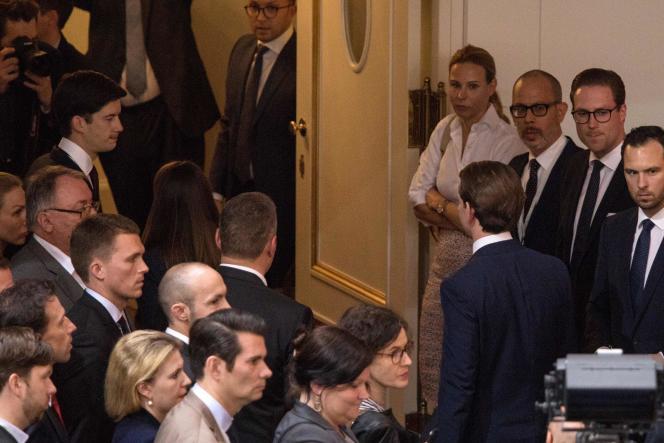 Sebastian Kurz quitte le Parlement à Vienne (Autriche), le 27 mai.