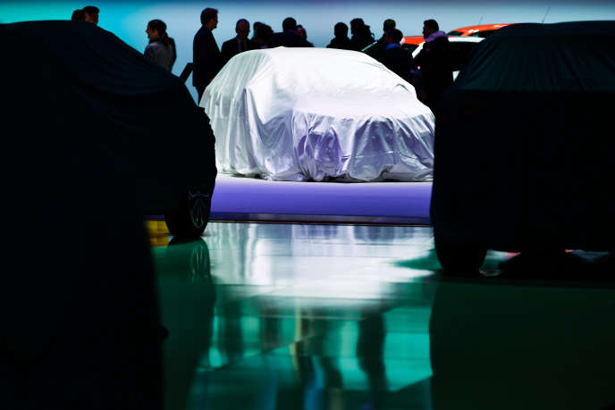 Le stand de Renault, la veille de l'ouverture du Salon international de l'automobile de Genève (Suisse), le 5 mars.