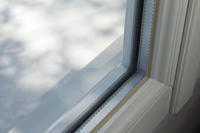 Une fenêtre en double vitrage.