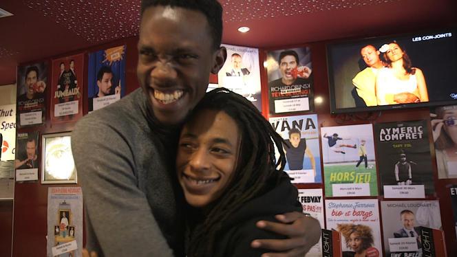 Trésor Ntore et Shirley Souagnon dans la minisérie« Coming out en France et en Afrique» diffusée sur France TV Slash depuis le 27 mai 2019.