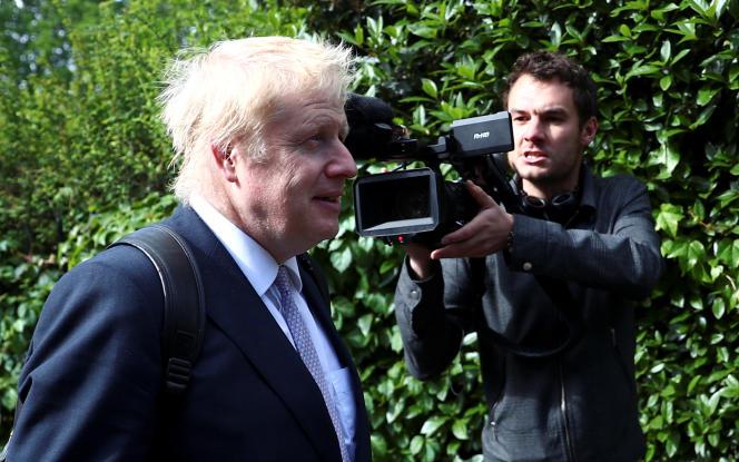 L'ex-ministre des affaires étrangères et candidat à la succession de Theresa May, Boris Johnson, le 28 mai à Londres. HANNAH MCKAY/REUTERS