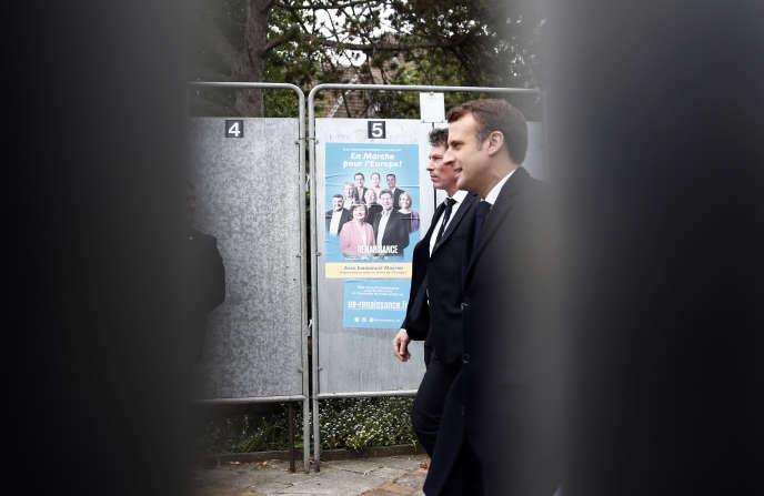 Emmanuel Macron après avoir voté lors des élections européennes, au Touquet (Pas-de-Calais), le 26 mai.