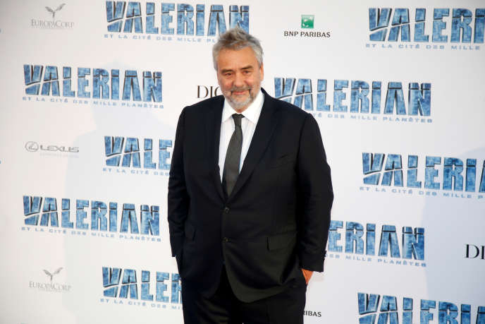 Le cinéaste Luc Besson, lors de la première de son film « Valérian et la cité des mille planètes », à Saint-Denis (Seine-Saint-Denis), près de Paris, le 25 juillet 2017.