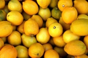 Les citrons peuvent-ils réellement guérir le cancer ?