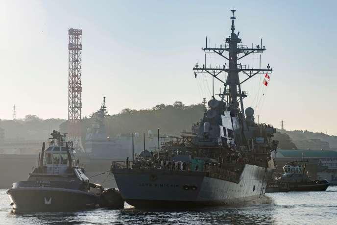 Le navire américain portant le nom de l'ancien sénateur américan John Mccain, le 27 novembre 2018.