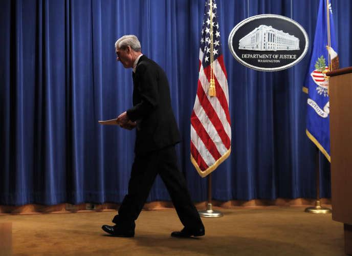 Le procureur Robert Mueller après sa courte intervention au ministère de la justice à Washington, le 29 mai.