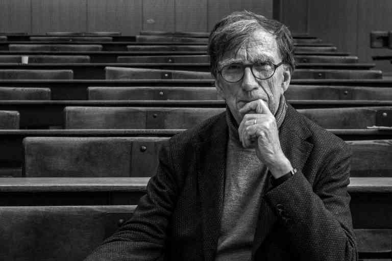 Le sociologue franais Bruno Latour, ˆ Paris, en France, le 31 octobre 2018.