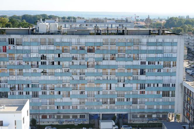Un immeuble de Montfermeil (Seine-Saint-Denis), le 11 octobre 2010.