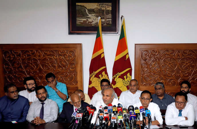 Les ministres musulmans annonçant leur démission à Colombo, le 3juin.