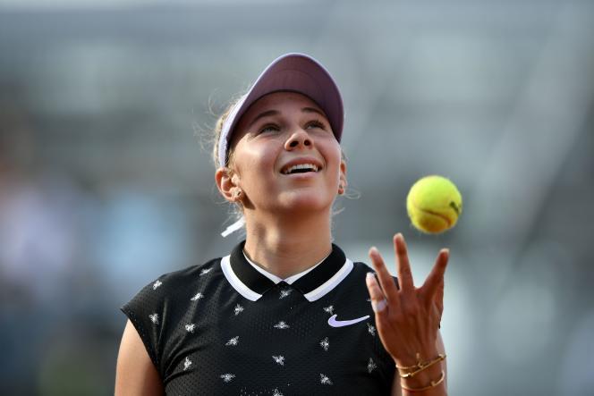 Si les extraterrestres sont venus récupérer la balle, Amanda Anisimova, elle, reste sur terre (battue).