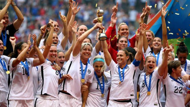 Les footballeuses américaines, quadruples championnes du monde, figurent parmi les figure de proue du sport féminin mondial et réclament d'être payées davantage que les hommes parce qu'elles remportent plus de matches.