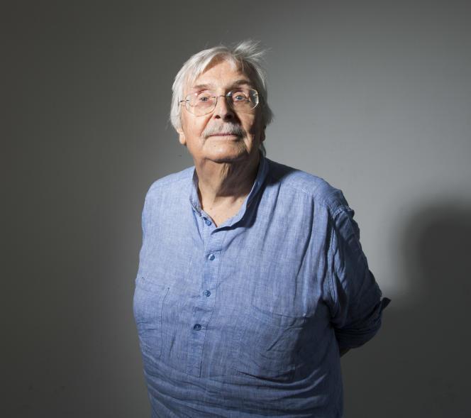 L'ancien directeur de la Cinémathèque suisse, Freddy Buache, à Locarno, en 2012.