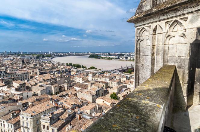 «Saint-Michel possède une basilique de style gothique flamboyant inscrite sur la liste du patrimoine mondial de l'Unesco depuis 1998.»