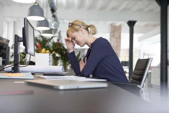 «la plupart des salariés en perte de capacité ne veulent pas en informer l'entreprise par peur du stigmate. Ils développent un ensemble de stratégies pour pallier l'involution de leurs capacités» affirmeAnne-Maire Waser