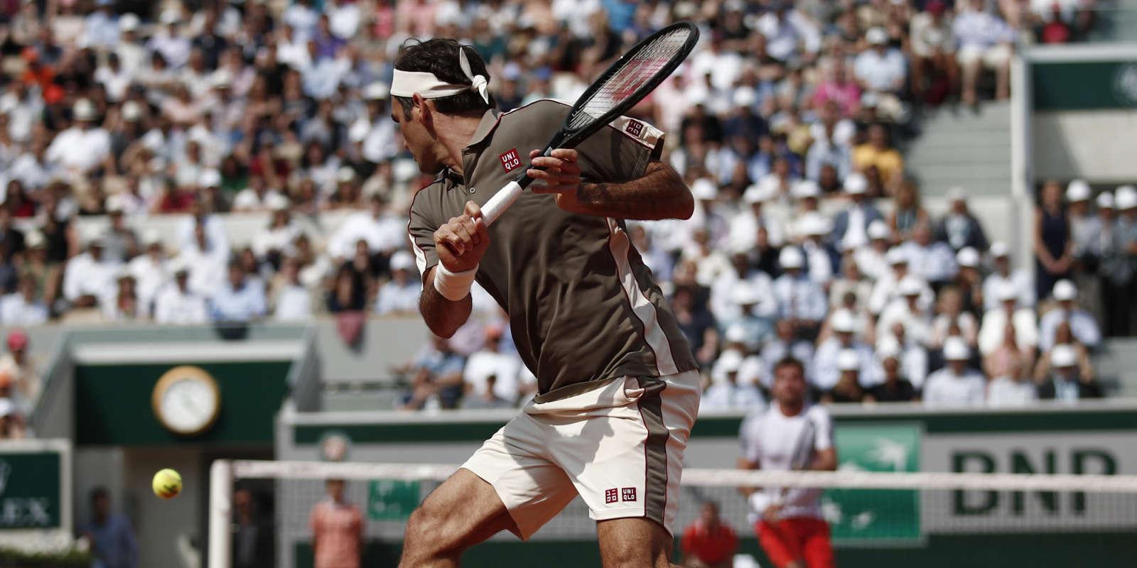 Interrompue par le pluie, la partie entre Roger Federer et Stanislas Wawrinka a repris.