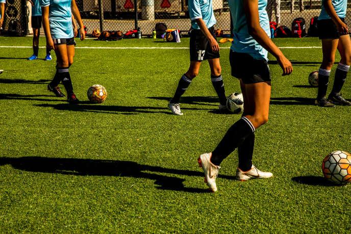 L'équipe junior de football à l'université de Santa Clara, en Californie (Etats-Unis).