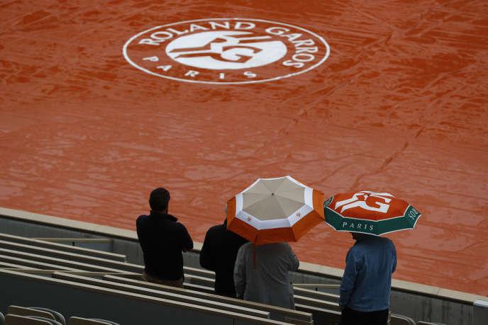 Pluie sur Roland-Garros, mercredi; les matchs sont reportés.