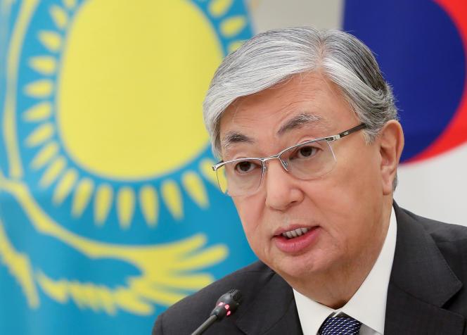 Le président kazakh par intérim, Kassym-Jomart Tokaïev, lors d'une rencontre avec son homologue sud-coréen, Moon Jae-in, à Séoul, le 22 avril 2019.