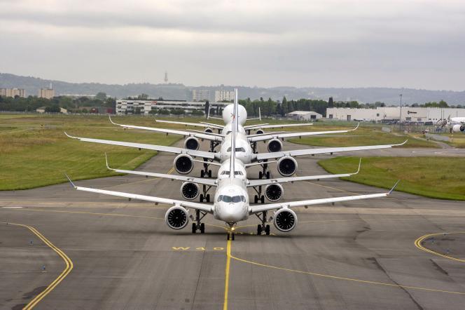 Des avions Airbus sur le tarmac de l'aéroport de Toulouse, le 29 mai.
