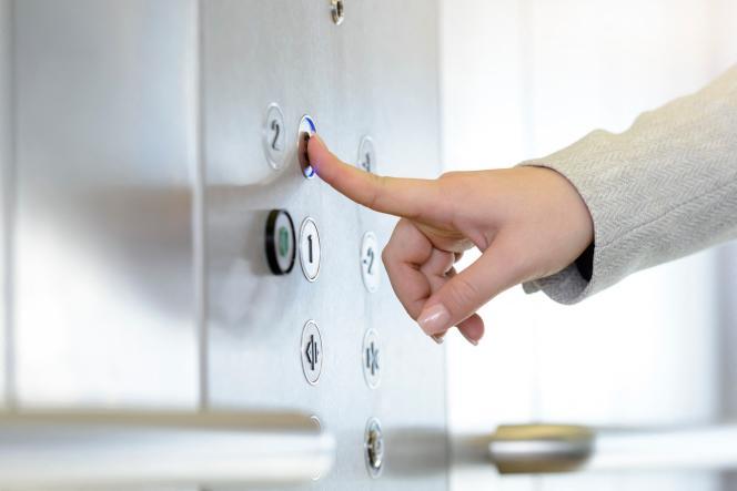 La jurisprudence dit que l'utilité de l'ascenseur doit s'apprécier de manière «objective», c'est-à-dire sans se soucier de savoir si le copropriétaire le prend ou pas.