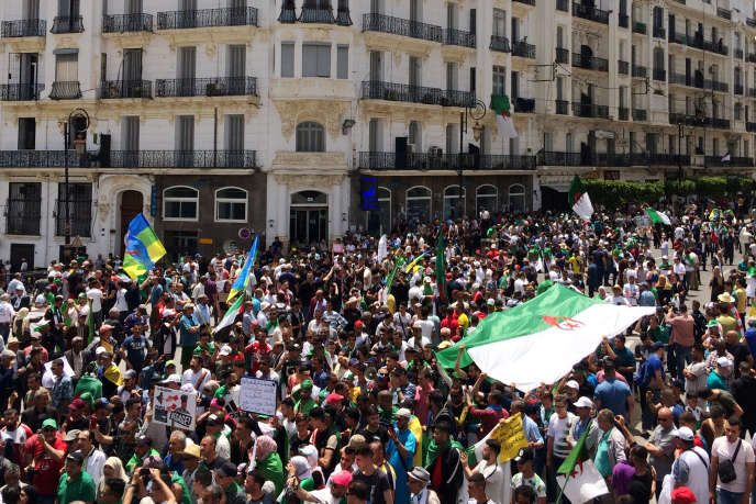 Vendredi 7 juin 2019, dans les rues d'Alger.