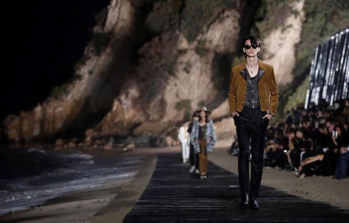 Quand les maisons de mode s'échappent des fashion weeks