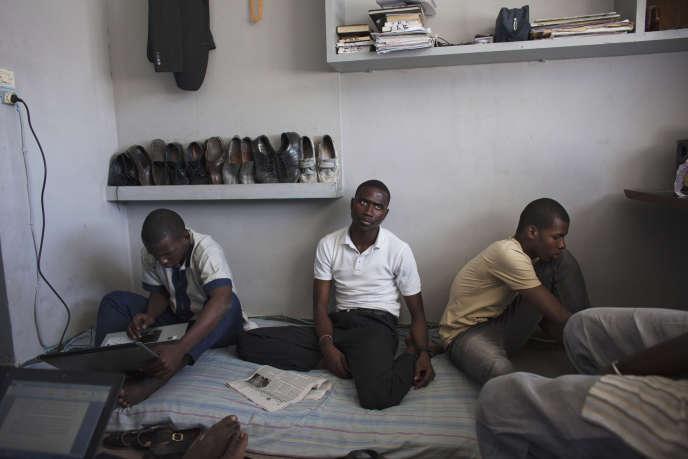 Des étudiants de l'université Cheikh-Anta-Diop, à Dakar, au Sénégal, en avril 2013.