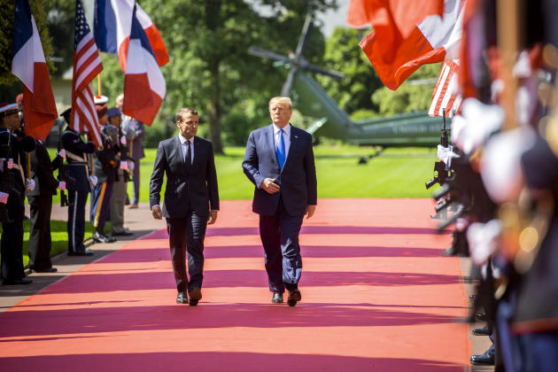 Arrivée d'Emmanuel Macron et Donald Trump àColleville-sur-Mer, le 6 juin.