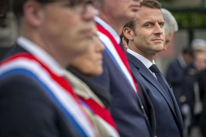 Emmanuel Macron lors d'une cérémonie de commémoration à la maison d'arrêt de Caen (Calvados), le 5 juin.