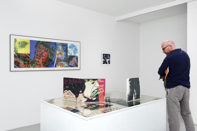 Vue de l'exposition Vinyls & Clips, Sound Collection Guy Schraenen & clips d'artistes, 2019, Frac Franche-Comté.