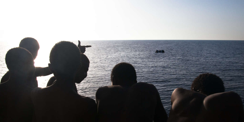 Le 1er août 2016 en Méditerranée centrale par le bateau de l'ONG allemande Jugend Rettet. A son bord, 118 anonymes comme la « crise migratoire » en charrie des dizaines de milliers, rescapés de l'enfer libyen.