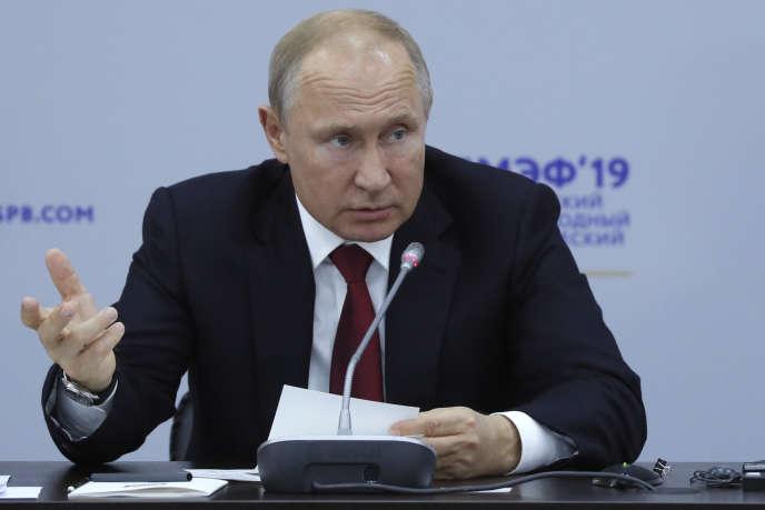 Le président russe, Vladimir Poutine, au Forum économique international de Saint-Pétersbourg, le 7 juin.
