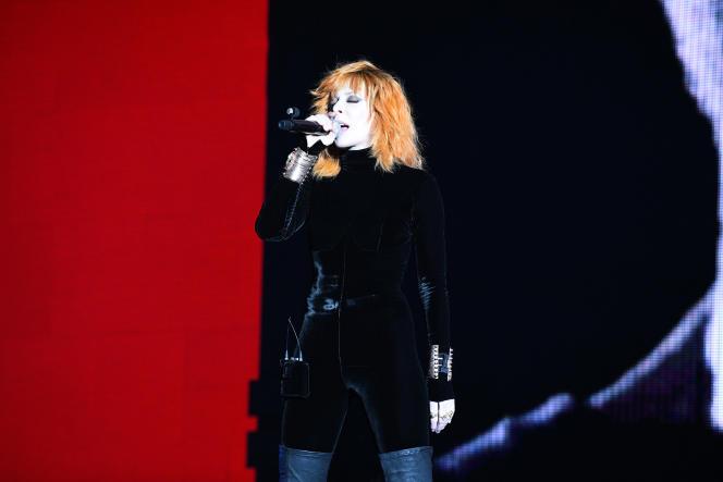 Mylène Farmer en concert àLa Défense Arena, à Nanterre, le 7 juin.