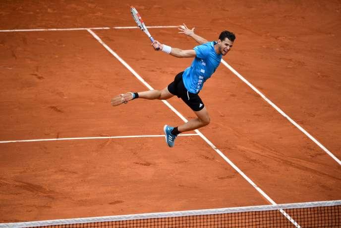 Dominic Thiem a dû batailler cinq sets contre Novak Djokovic, samedi 8 juin, en demi-finales.
