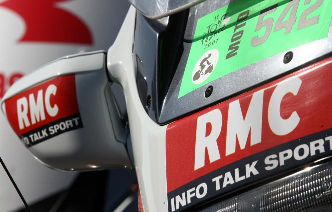 La société des journalistes de RMC a indiqué dans un communiqué qu'elle trouve « dommageables pour la crédibilité et l'image de RMC » les propos tenus par les deux chroniqueurs.